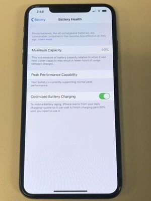 IPhone XS Max - Space Grey - UNLOCKED for Sale in Glendale, AZ