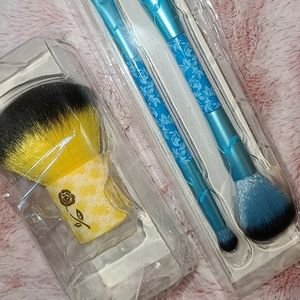 NEW Brushes For Makeup for Sale in Los Angeles, CA