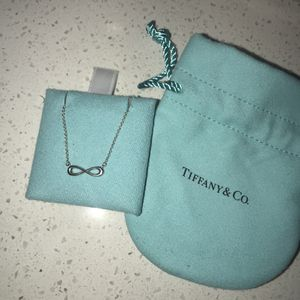 BRAND NEW Tiffany Infinity Pendant (Silver) for Sale in Austin, TX