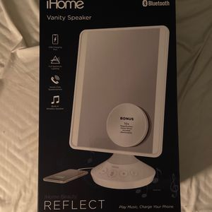 Vanity Mirror With Bluetooth Speaker Brand New for Sale in Irving, TX