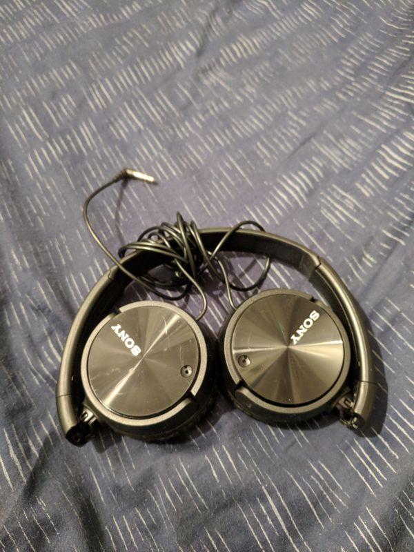 Sony wired headphone