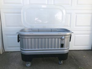 Igloo Party Cooler for Sale in Saint Paul, MN