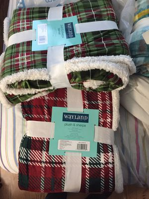 Wayland plush blankets for Sale in Naperville, IL