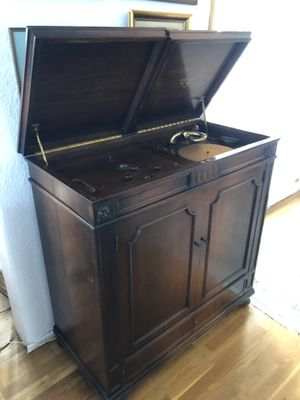Beautiful 1920's Vitrola for Sale in Chula Vista, CA