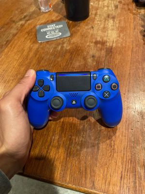 BLUE CONTROLLER PS4 LIKE NEW for Sale in Costa Mesa, CA