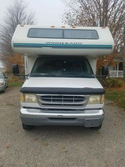 sell rv winneabgo winnie minnie 1999 for Sale in Newark,  NJ