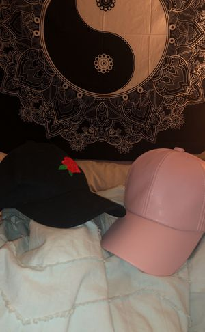 ROSE & PINK LEATHER HAT for Sale in Fairfield, CA