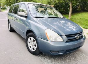 2006 Kia Sedona* $4300** Drives Like a New van* DVD* LOW MILES for Sale in Rockville, MD