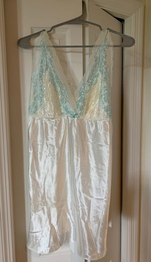 Women's clothing, nightgown for Sale in Riverview, FL