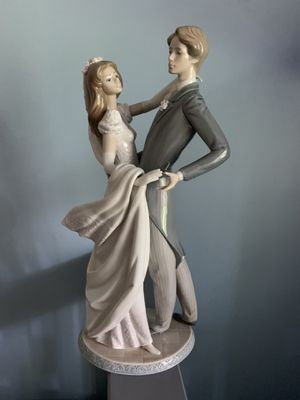 "Lladro ""I love you truly"" figurine for Sale in Ives Estates, FL"