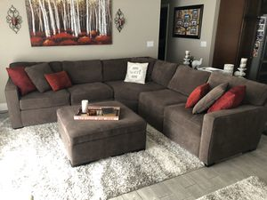Radley 5 Piece Sectional Sofa with Large Storage Ottoman. for Sale in Winter Springs, FL