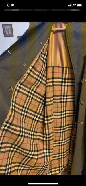 Burberry trench coat 🧥 for Sale in Phoenix, AZ