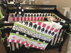Baby crib with bedding for Sale in Hesperia, CA