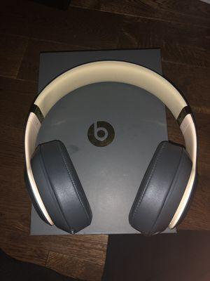 Beats studio 3 wireless headphone (shadow gray) for Sale in Alexandria, VA