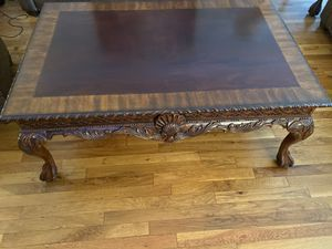 Classic Coffee Table for Sale in Staten Island, NY