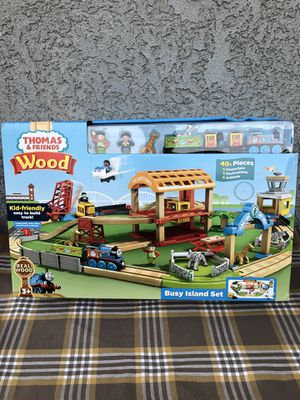 Thomas & Friends Wood Busy Island Playset with Accessories for Sale in Maywood, CA