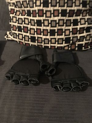 Everlast MMA Gloves for Sale in Hyattsville, MD