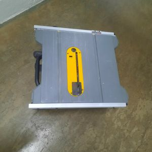 DEWALT TABLE SAW DWE 7485 blade 8-1/4 for Sale in Silver Spring, MD