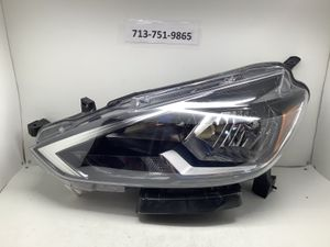 2016 2018 Nissan Sentra left headlight for Sale in Houston, TX