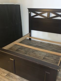 Queen Bed Frame for Sale in La Mesa,  CA