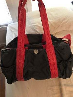 Lululemon Duffle Gym Travel Bag for Sale in Claremont, CA