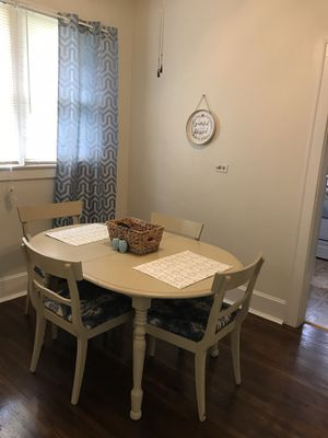 Kitchen table for Sale in Morganfield, KY