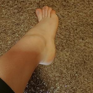 Findom Feet Pictures. for Sale in Arlington, TX