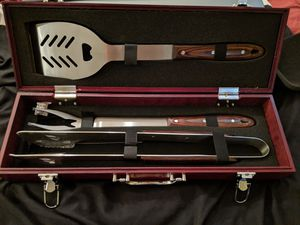 BBQ GRILL GIFT SET, BEAUTIFUL, NEW. for Sale in Brandon, FL