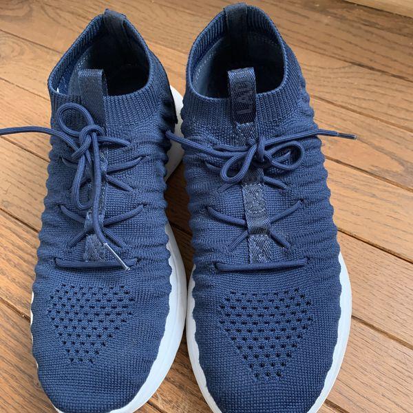 Lacoste sneaker women's 8.5