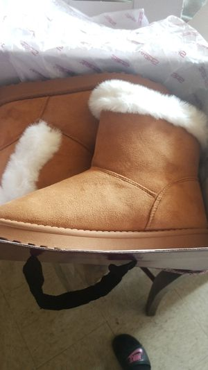 Boots size 6 for Sale in San Bernardino, CA