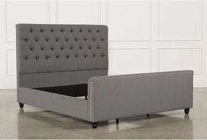Queen size bed frame for Sale in Lakewood, CA