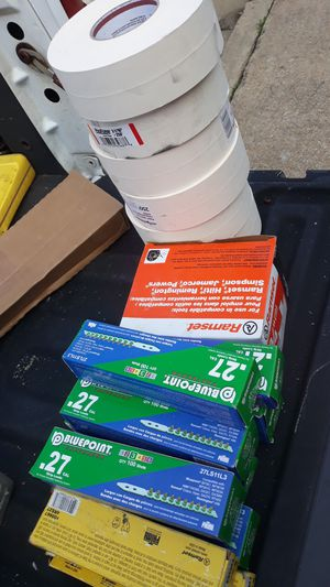 12 cajas de valas 27 .1000 clabos de 3/4 y 6 rrollos de tape for Sale in Montclair, VA