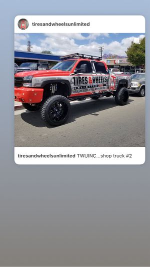 """For sale 2003 Chevy 2500hd diesel 2wd 10"""" Cst fox shocks lift for Sale in Whittier, CA"""