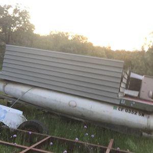 Old pontoon boat for Sale in Big Oak valley, CA