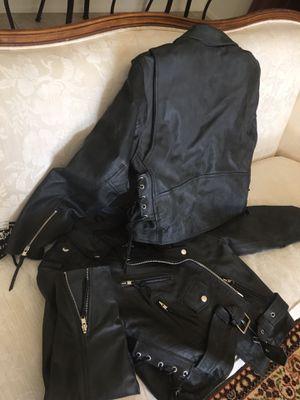 jafrum motorcycle gear leather jacket for Sale in Glendale, AZ