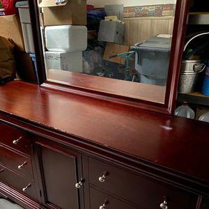 Dresser With Mirror for Sale in Parkland, WA