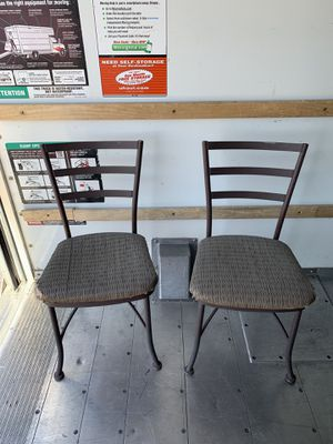 Chairs for Sale in Las Vegas, NV