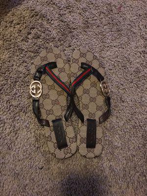 Gucci flip flops women size 7ish for Sale in Lakeland, FL