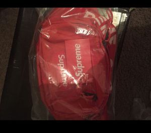 Supreme fanny pack for Sale in Rock Hill, SC