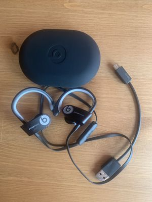 Beats wireless headphones - black and gray - excellent condition for Sale in Middle River, MD