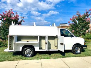 2006 Chevy Express KUV G3500 V8 6.0 walk-in utility service truck cargo van engine was remanufactured with only 25K miles for Sale in Rockville, MD