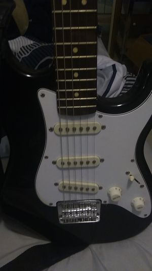 Guitar for Sale in Hialeah, FL