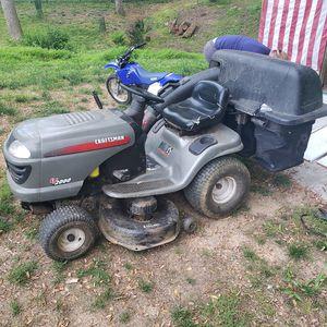 Craftsman lt2000 riding lawn mower for Sale in Darnestown, MD