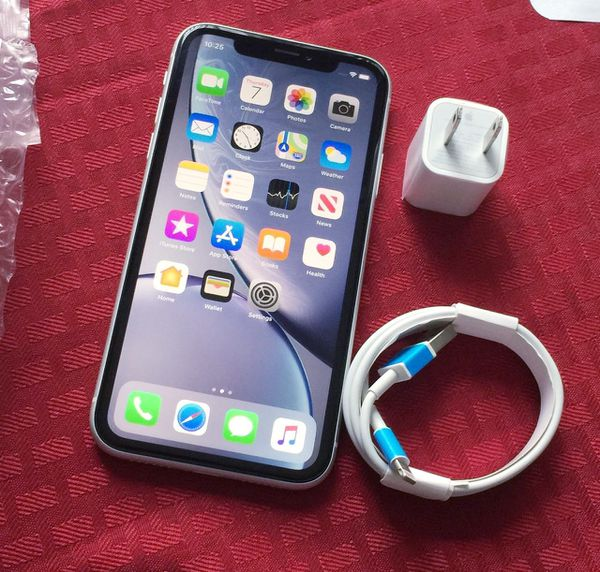 """iPhone X'R ,,Factory UNLOCKED Excellent CONDITION """"as like nEW"""""""