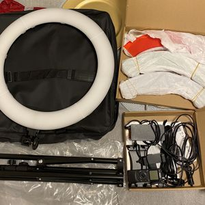 IVISII 19inch Ring Light With Remote Control and Stand for Sale in Chula Vista, CA