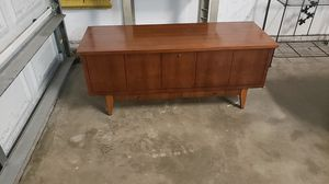 Mid century modern cedar trunk for Sale in Cocoa, FL