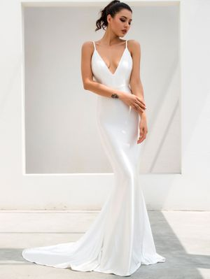 White Backless Formal Dress for Sale in Baltimore, MD