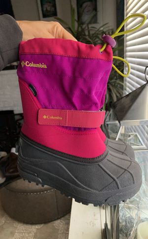 Kids size 13 Columbia snow boots for Sale in Fullerton, CA