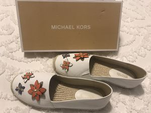 New Michael Kors woman's shoes size 9 for Sale in Columbus, OH