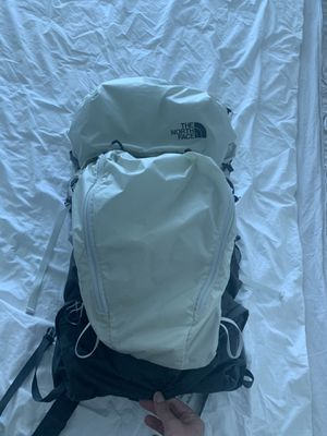 North face hiking backpack for Sale in Miami, FL